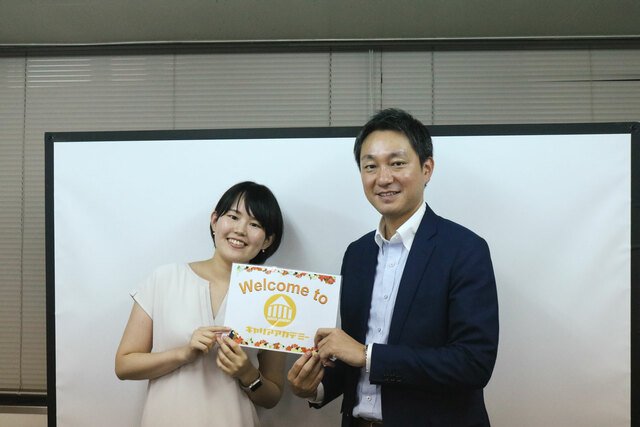 キャリアアカデミー講師鈴木さんとスタッフの後藤さんの写真