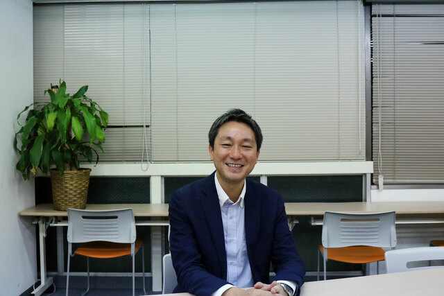キャリアアカデミー講師鈴木さんの写真