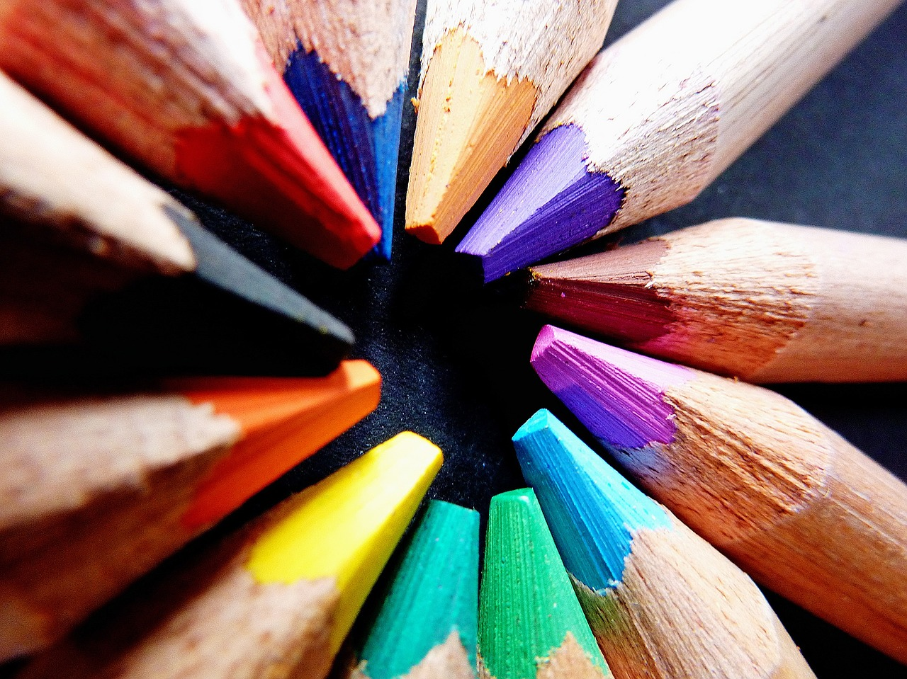 colored-pencils-1445806_1280
