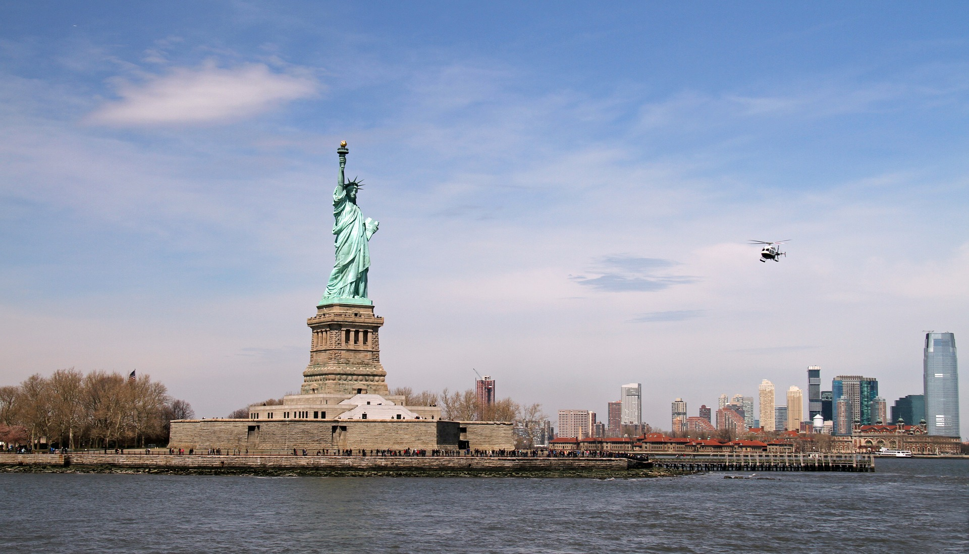 statue-of-liberty-1433761_1920